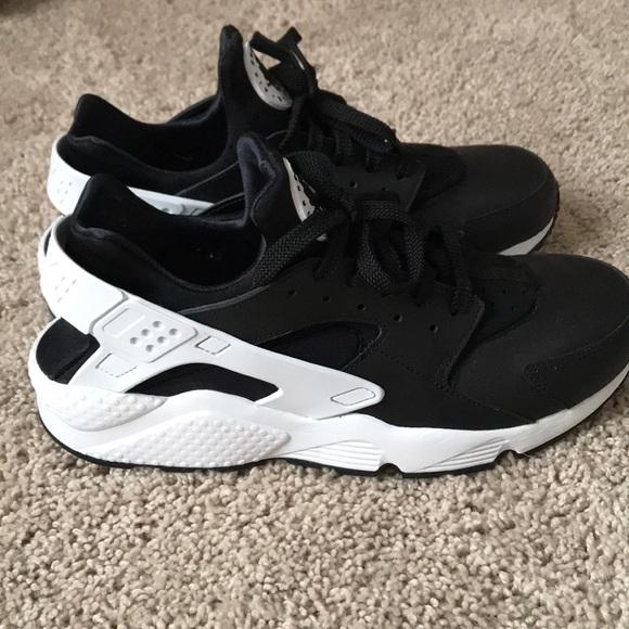 ec6fc246d72c Mens blade Nike harache size 12 brand new